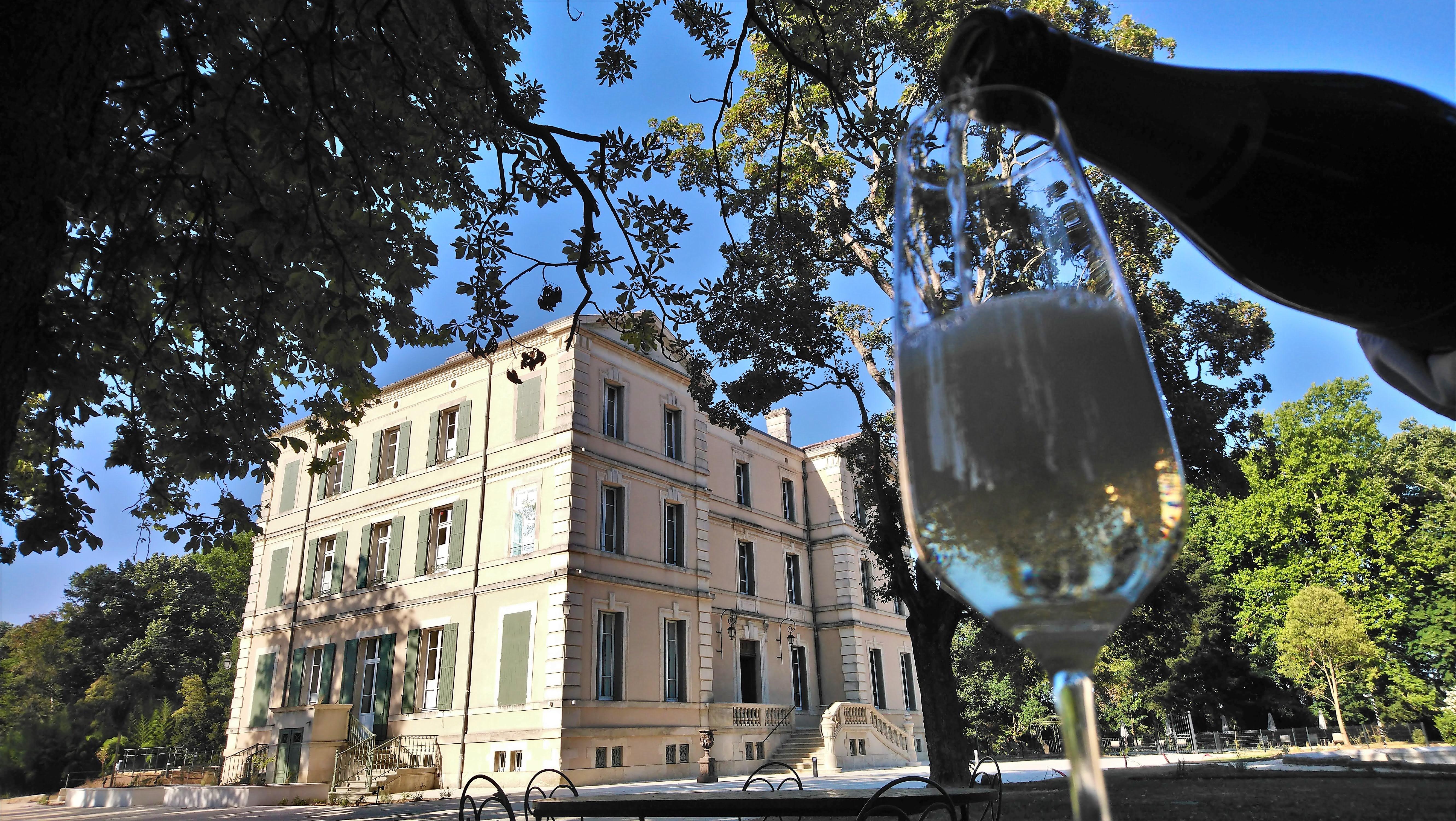 Château de Montcaud, Hotel und Restaurants, Provence, Frankreich