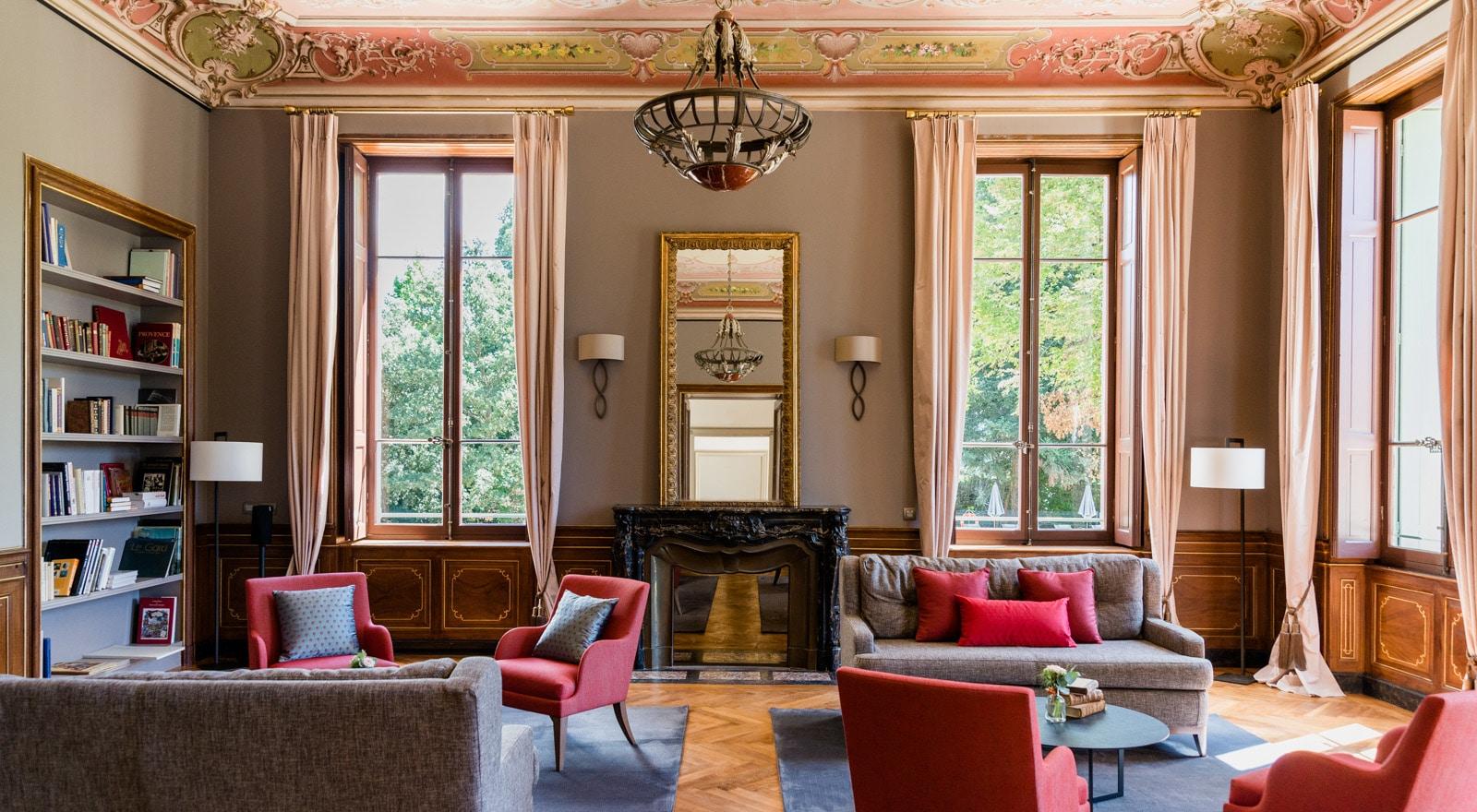 Salon im Château de Montcaud, Hotel Provence Südfrankreich