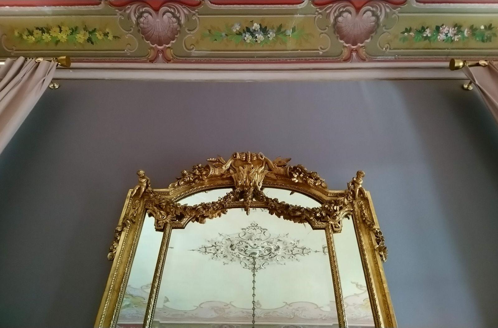 Seidiges Finish im Salon des Château de Montcaud
