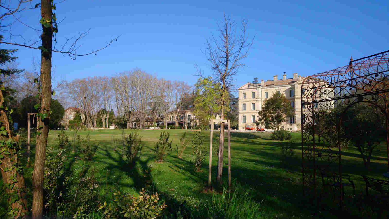 Vue du parc, 20 mars 2020, Château de Montcaud, hotel Provence
